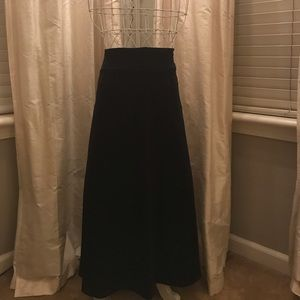 Dresses & Skirts - Black Maxi Skirt that is a perfect closet staple.